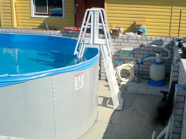 Лестница для сборного бассейна